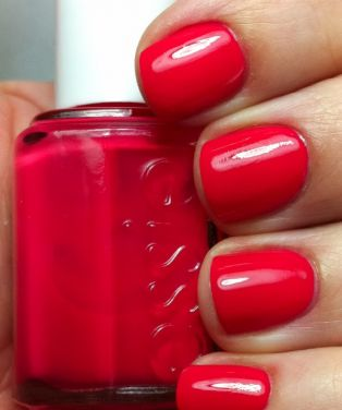 Essie Canyon Coral Nail Polish